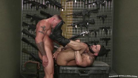 Gun Show, Scene #3 : Rikk York, Sean Duran