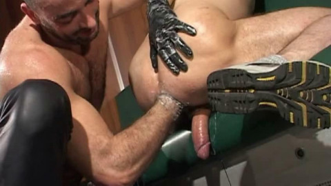 Public fucked & fisted