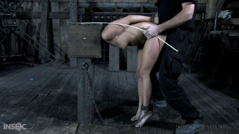 Tight tying, spanking and suffering for in natures garb hawt wench part 1 Full HD 1080p