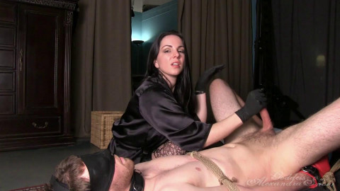 Alexandra Snow Eat It And Slave 720p (2015)