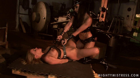 Mightymistress Mega Nice Gold Cool Beautifull Collection For You. Part 1.