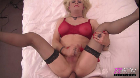 Queen gets fucked hard