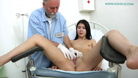 DDiana used to masturbate at a reception at the gynecologist