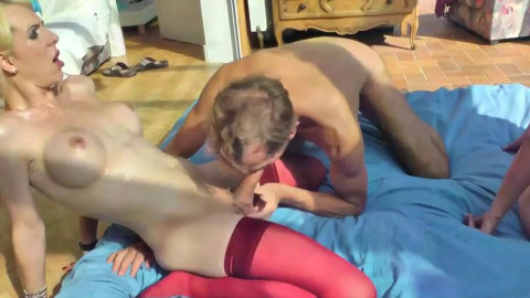 Oldies-Trannies-Blondes-What a Fuck