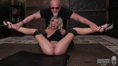 Dungeon Corp - Khloe Kapri - The Slutty Little Fighter part 1