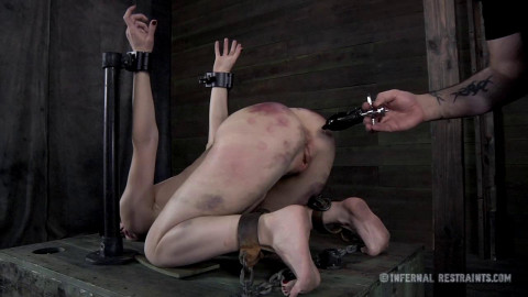 IR - Queen of Pain 2 - Elise Graves - March 1, 2013 - HD