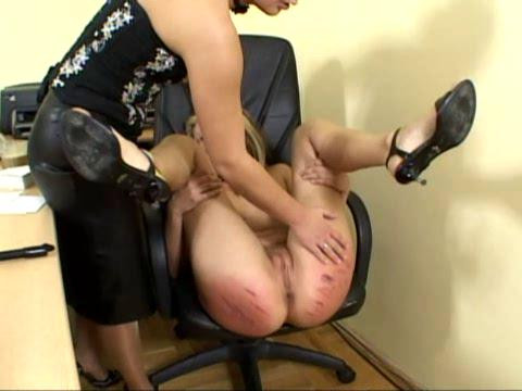 Red-Assed Office Girl