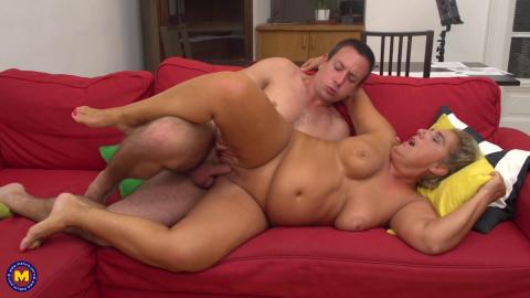 Giuliana - Chubby mature lady doing her toyboy FullHD 1080p