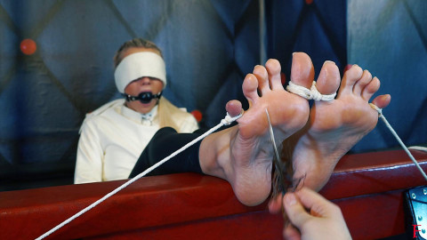 HD Bdsm Sex Videos Long tickling procedures with Roses large feet and arches