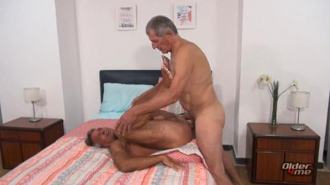 O4M - Str8 Dad Takes a Large Penis: Chaco & Paulino