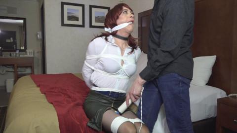 Kera Valentina Motel Trouble