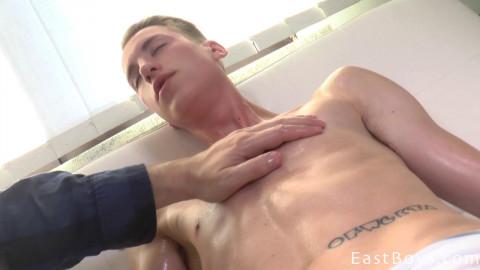 EastBoys - Handjob and Massage - Leo West