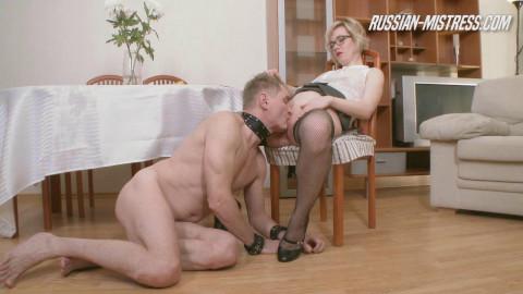 Mistres Russian Dayana Facesitting (2016)