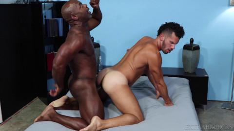Aaron Trainer bonks Marco Lorenzos chocolate hole 4K