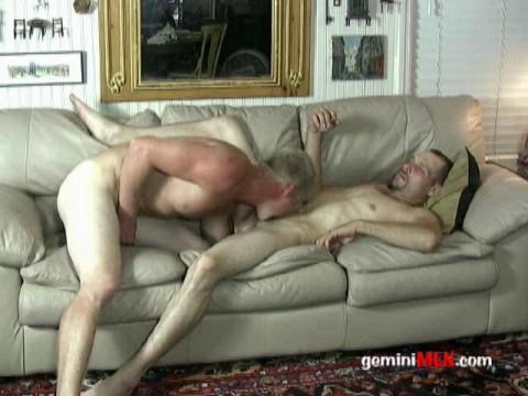 Gemini Men - Austin copulates Randy