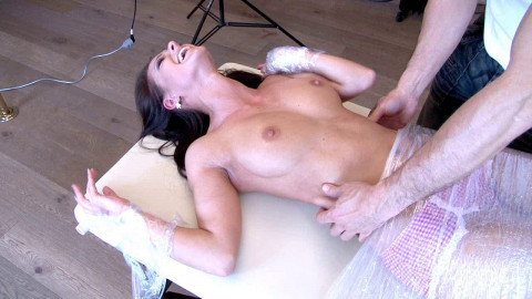 HD Bdsm Sex Videos Melissa Meets The Tickler For The Worst