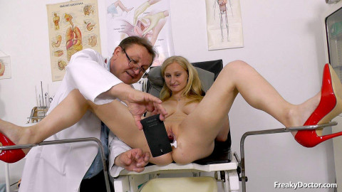 Ingrid vibrator is being treated at the gynecologist