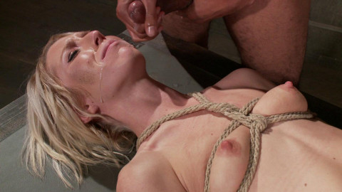 Chained Fuck Slut(Maia Davis, Mickey Mod)