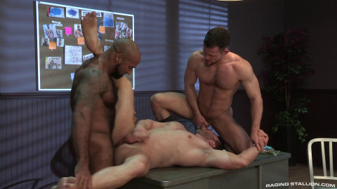 Hot Threesome Derek Bolt, Daymin Voss & Kurtis Wolfe (1080p)