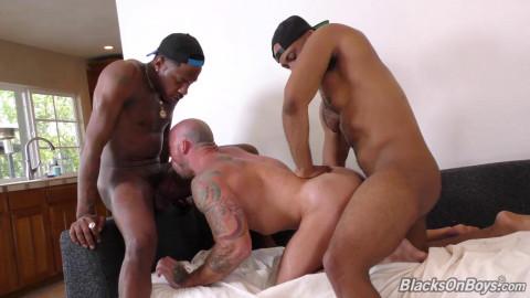 Blacks on Boys - Sean Duran, Deepdicc and Ray Diesel 720p