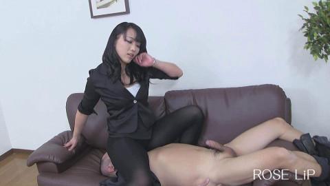 Facesitting And Handjob Japan (2014)
