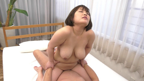 Curvaceous Asian Girl Gets First Fucking