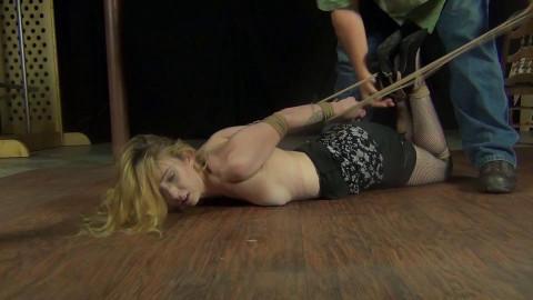 Macy Nikole: Sexy in Fishnets