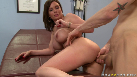 Alarmed Milf Is Ready To Talk To Some Expert