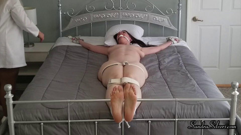Doctor Sandra Tickles Nude Christina HD
