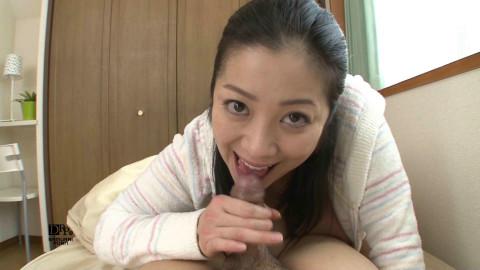 Minako Komukai oral-job