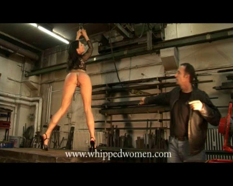ExtremeWhipping - Jan 3, 2014 - Ass Dance