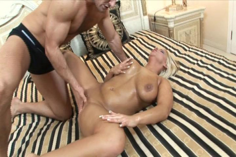 Naughty blonde buns-fucked by 2 dicks