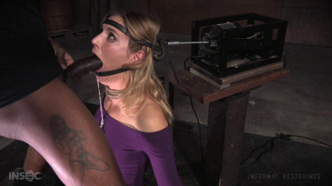 Unstoppable Mona Wales get BaRS experience on the blowjob machine sybian (2015)