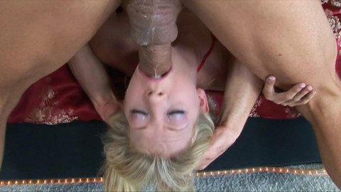 Awesome blonde in hot deepthroat action
