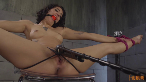 Bendy Bianca In Bondage And Cumming