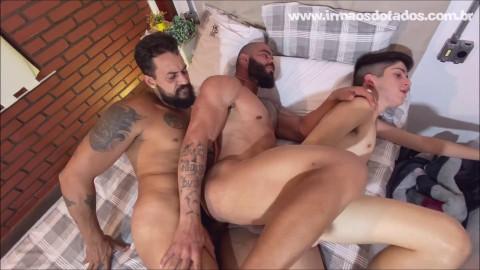Hot 3some Tio Breno, Lan Marques & Simao 1080p
