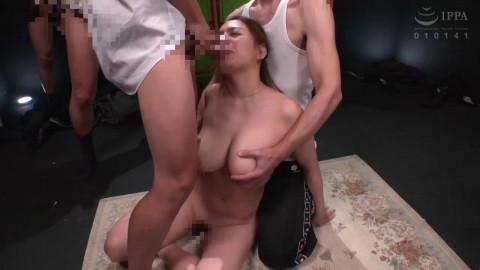 Married Woman With Big Tits Takes Cum Bukkake