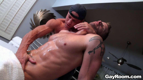 Gayroom - Seduce the Jock - Jeremy Stevens & Tyler Saint
