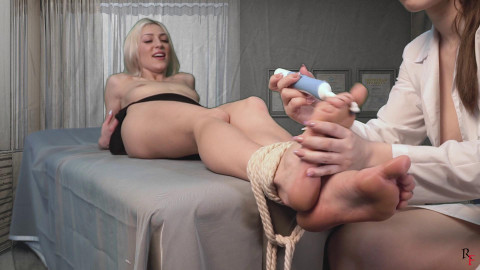 HD Power exchange Sex Movies Doctor Agata foot worships Lollys feet and tickles