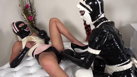 Super tying and pain for 2 sexy models in latex