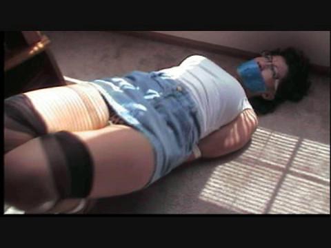 Enchantress sahrye intruder interrupts hot munch gal