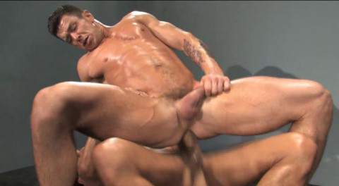 Muscle Men Get Pure Anal