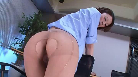 Pantyhose Office Lady With Charming Legs Mikoto Tsukasa