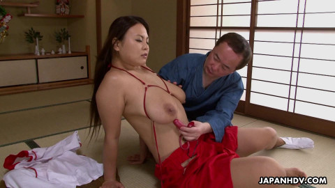 Kimono Lady Airi Ai scene2