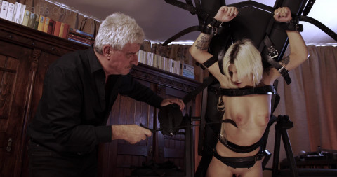 The Beauty Slave Mia Gets Whipping & Spanking
