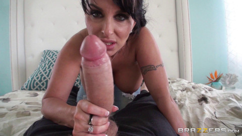 Pretty Milf Wanted A Guy With A Big Cock