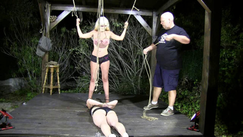 Night Session for Breastslave S und Little Red Girl