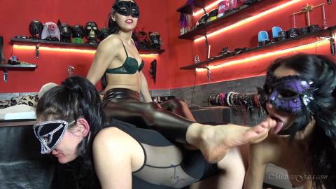 Bdsm HD Porn Videos Bedient Foot Lickers