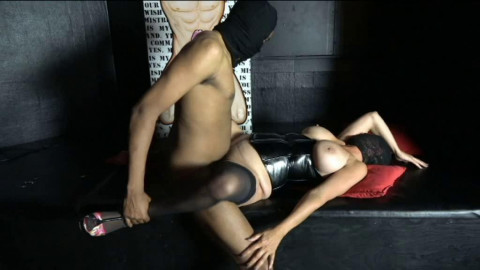 Sybian and darksome knob