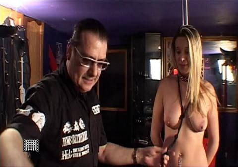 Slavegirl Poledances for Corporalist